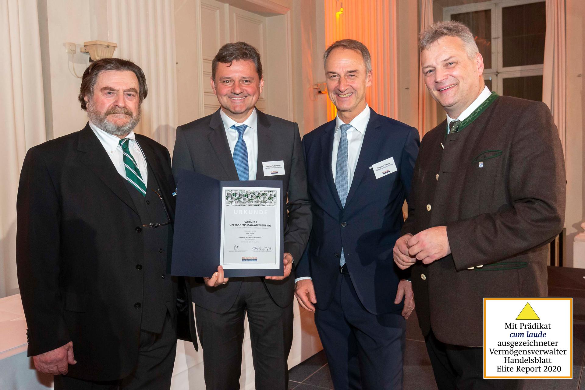 Staatssekretär Roland Weigert, Bayerisches Staatsministerium für Wirtschaft, Landesentwicklung und Energie und Hans-Kaspar von Schönfels, Chefredakteur des Elite Reports